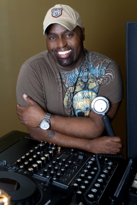 frankie_knuckles_scaled